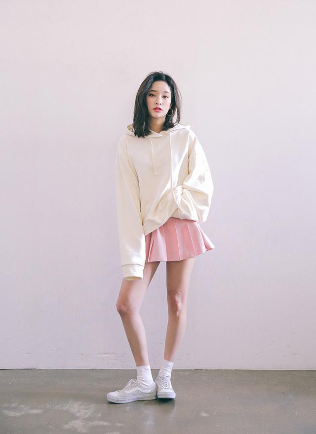 cách phối đồ với áo hoodie nữ cá tính