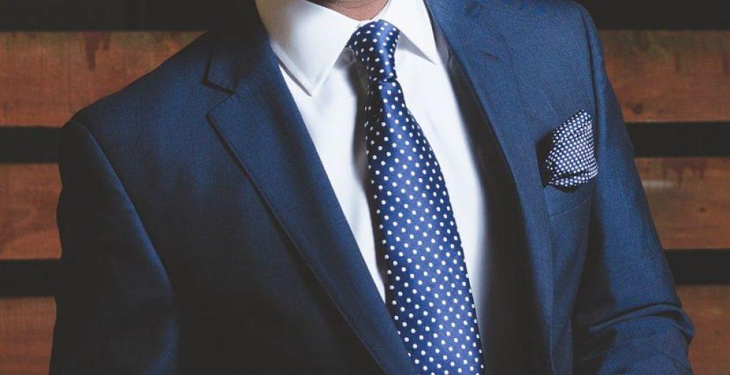 cà vạt chấm bi phong cách lịch lãm