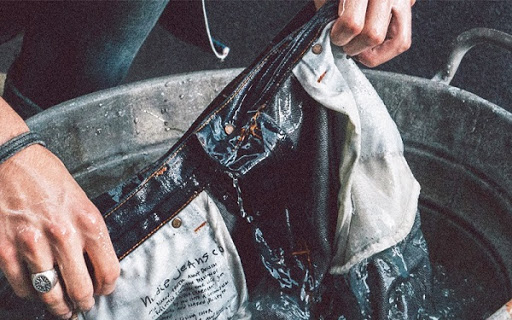 Cách giặt quần jean không bị giãn