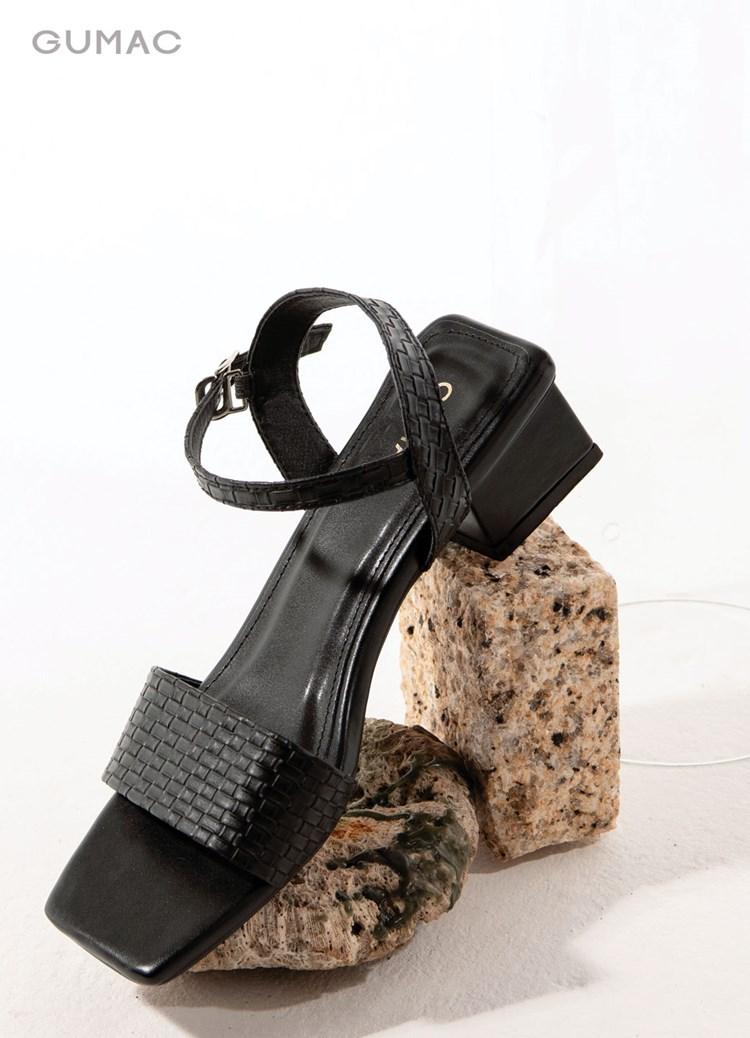 Sandal mũi vuông
