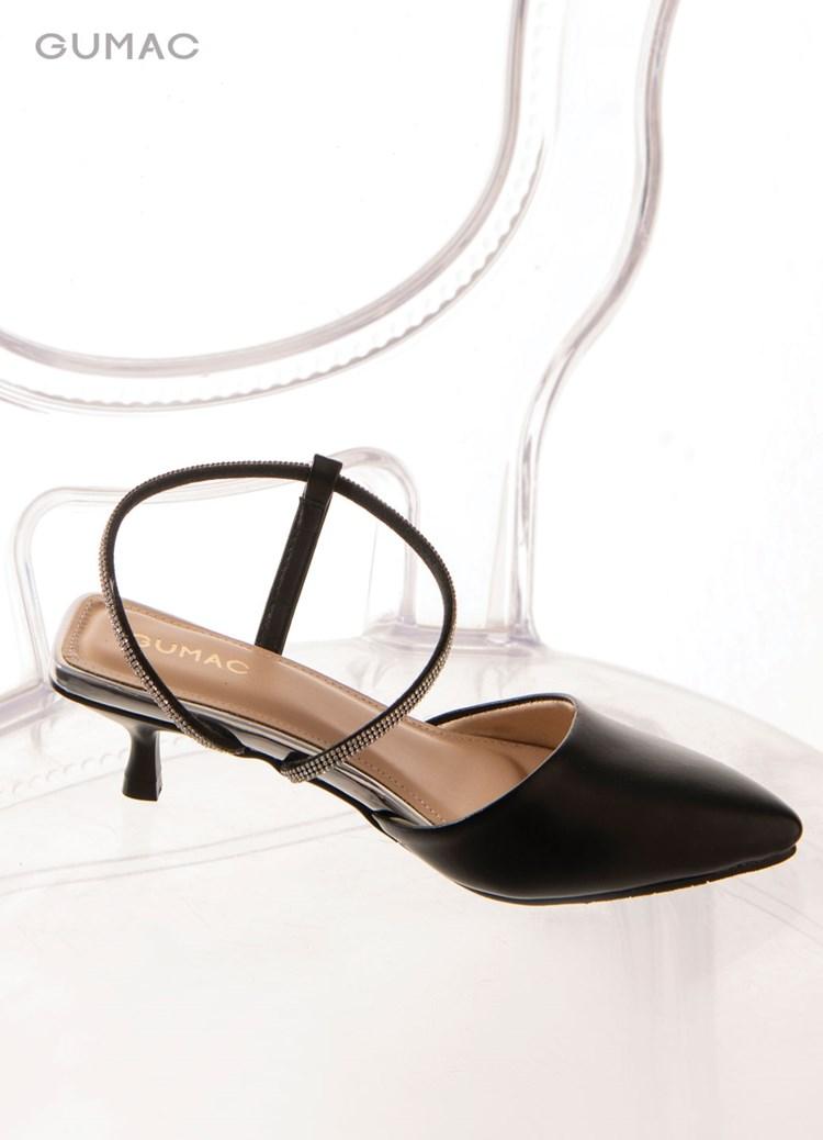 Giày phối quai đá