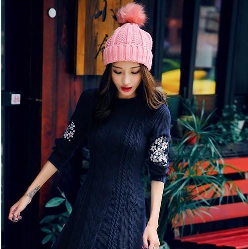phối mũ len hồng đáng yêu với váy len