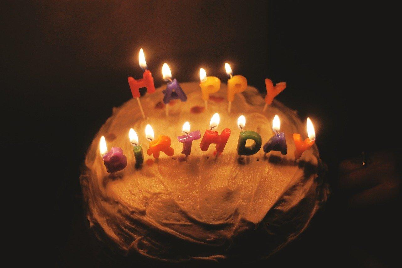Quà sinh nhật người nhận VỠ ÒA vì cảm động với hơn 20 gợi ý