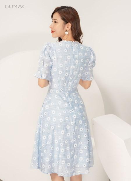Đầm cổ V đăng ten