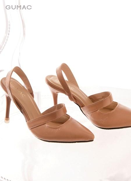 Giày bít cách điệu